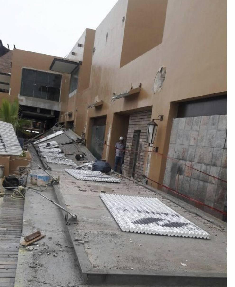 Derrumbe en construcci n de hotel experiencias xcaret deja for Oficina xcaret cancun