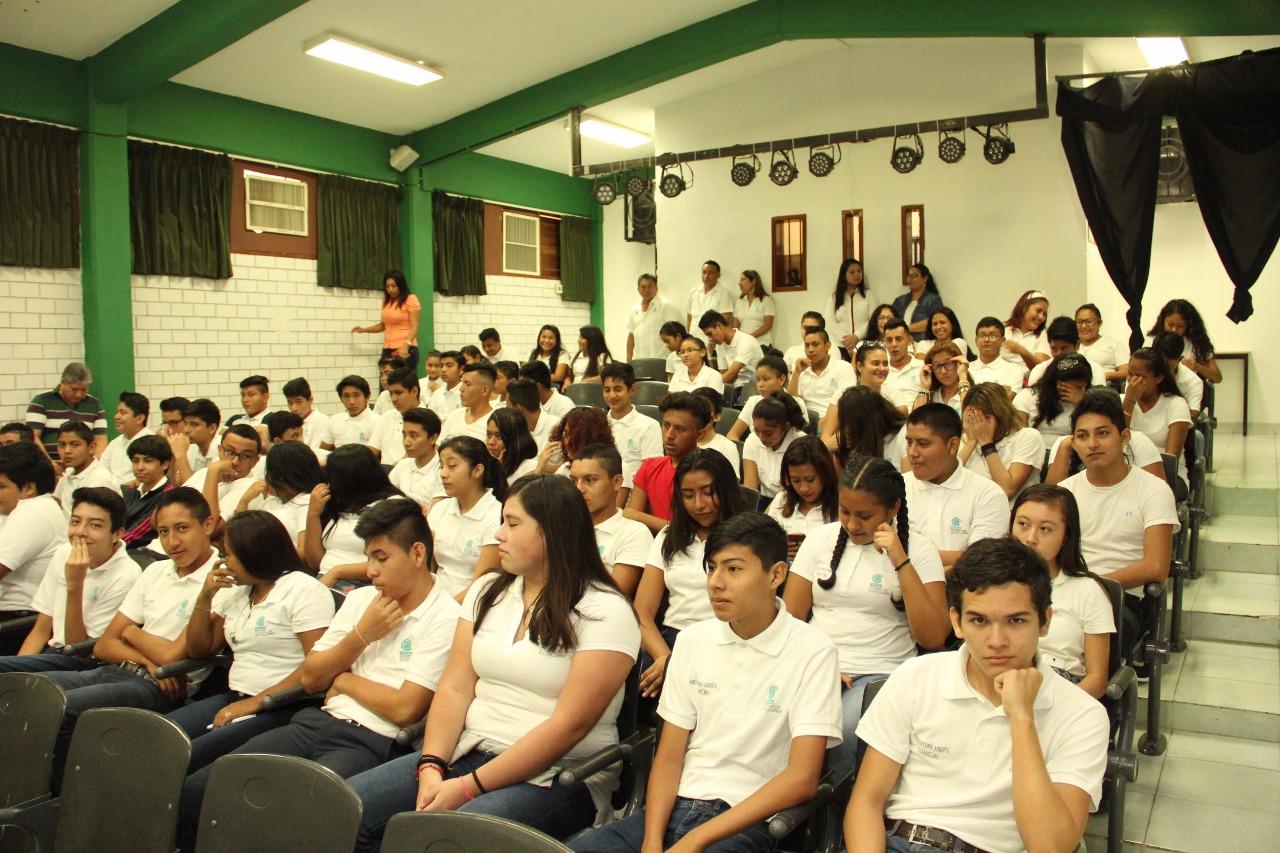 Bachilleres-Cobach-Cancun1-1.jpg
